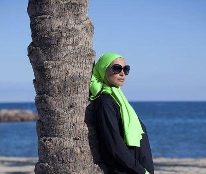 Le burkini, un vêtement indispensable à la garde-robe d'une femme voilée